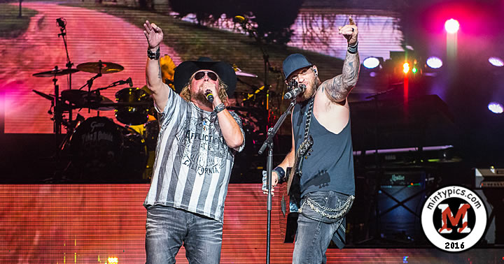 colt-ford-dte-energy-music-theater-in-clarkston-mi-on-9-24-16